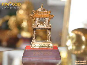 Quà tặng văn hóa Việt Nam- Khuê Văn Các bằng đồng mạ vàng cao cấp