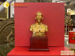 Tượng bác hồ để bàn bằng đồng mạ vàng cỡ nhỏ làm quà tặng hội nghị
