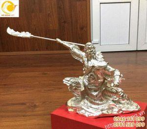 Đúc tượng quan công múa đao bằng bạc 999,9